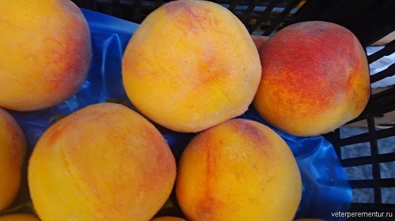 Персики в Амальфи