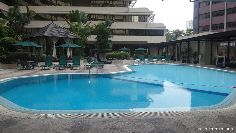 Corus Hotel Kuala Lumpur, бассейн