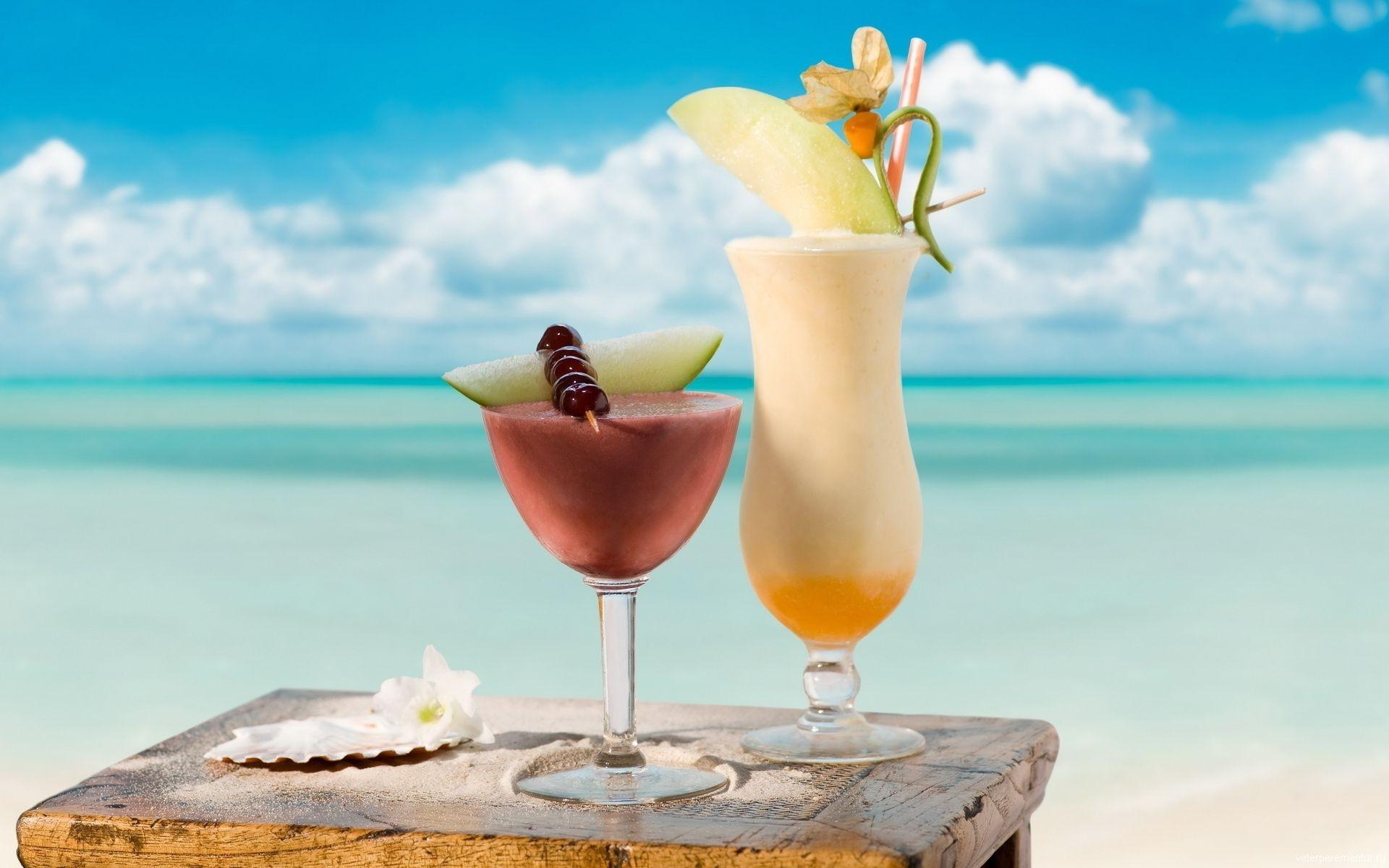 cocktail-koktejl-dynya-more-stakan-napitok-vishnya