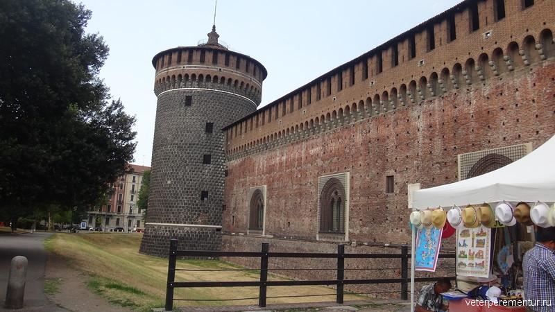 замок Сфорца (Castello Sforzesco)