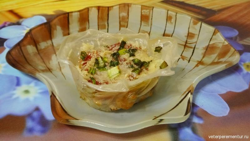 Острые итальянские чашечки с ветчиной и сыром