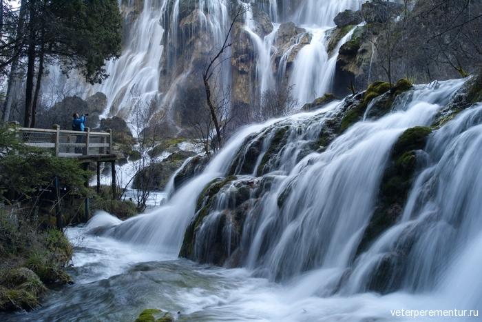 waterfall-in-jiuzhaigou-national-park