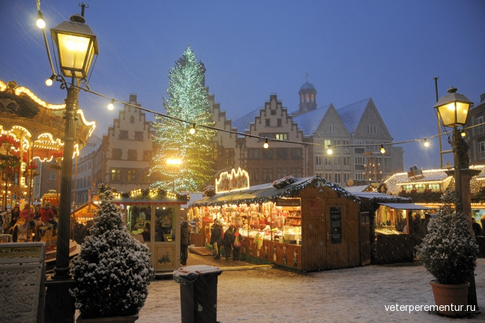 680-christmas-market-in-frankfurt