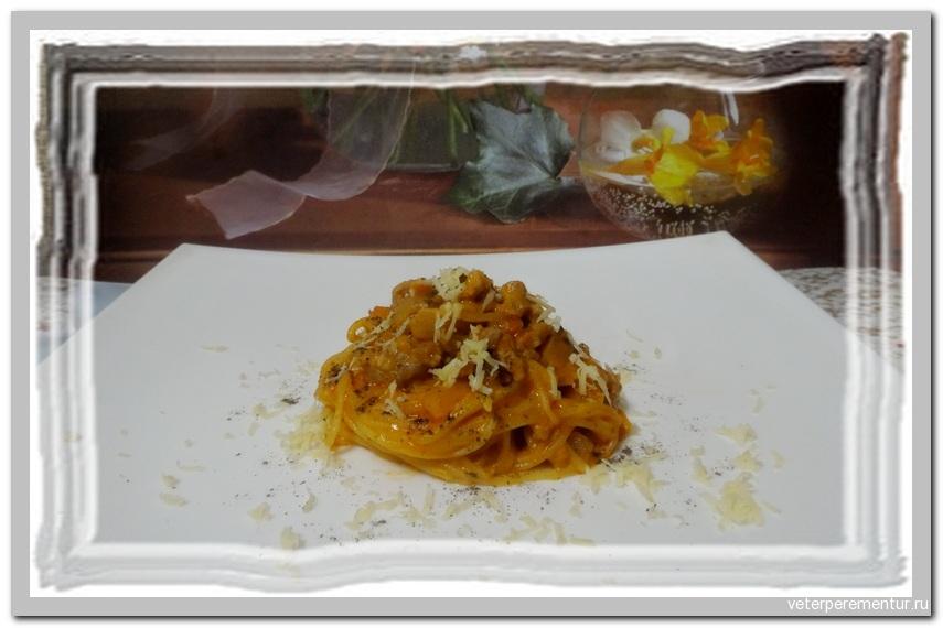 Спагетти с фаршем в томатно-сливочном соусе в мультиварке