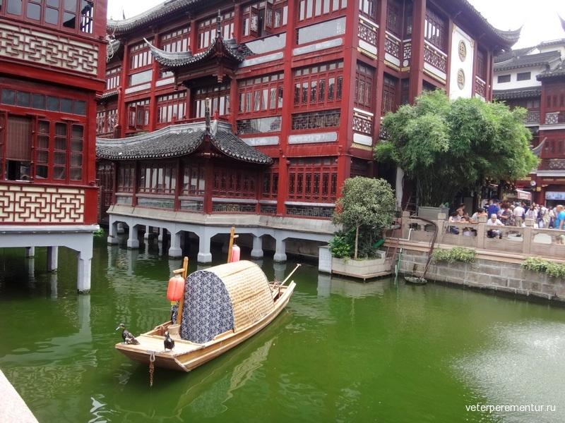 МОСТ ДЕВЯТИ ПОВОРОТОВ И ЧАЙНЫЙ ПАВИЛЬОН (Jiuqu Bridge)