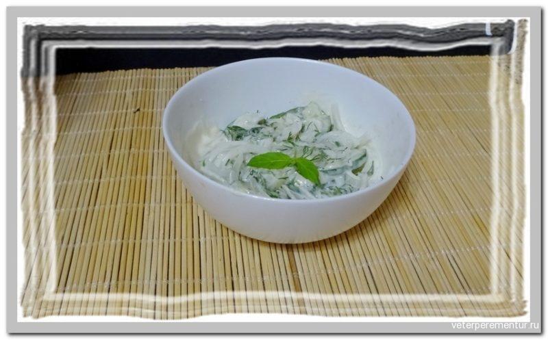 Салат из огурцов с мятой по-турецки