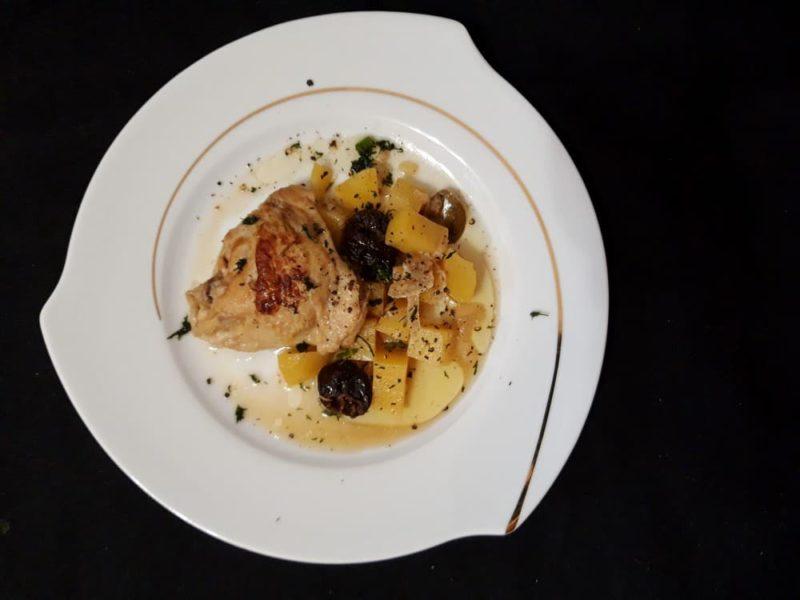 Курица с картошкой и черносливом