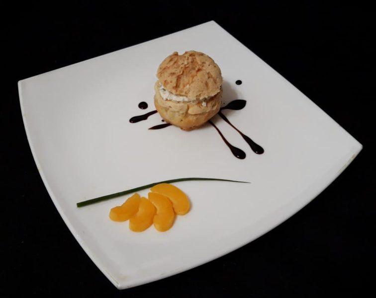 Шу с сырным кремом