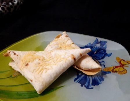 Пирожки с луком и яйцами из лаваша
