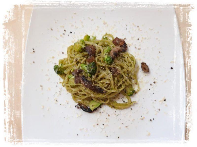 Спагетти с грибами и брокколи