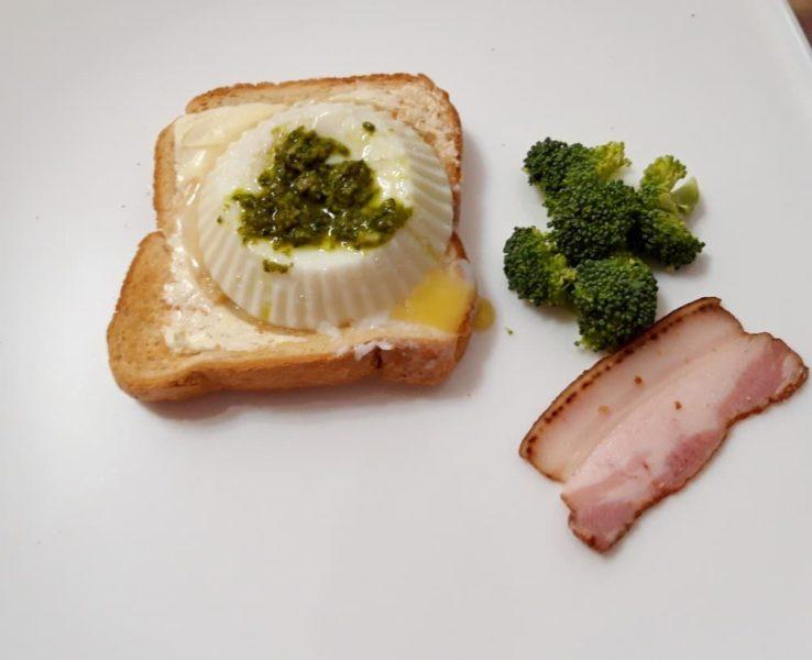Яйцо-пашот в форме для маффинов