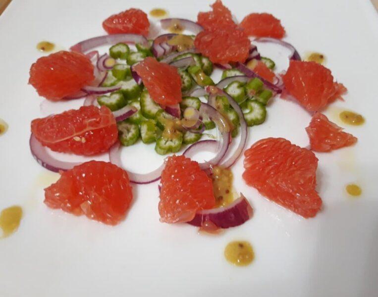 Салат из сельдерея и грейпфрута