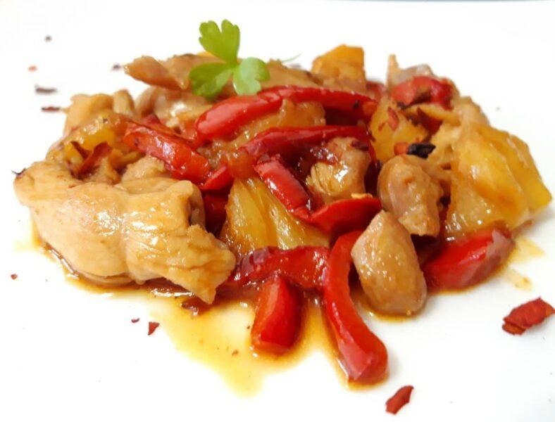 Рецепт Стир-фрай из курицы с перцем и ананасом