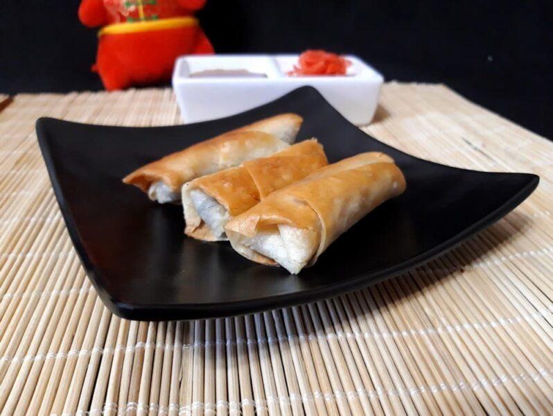 Китайские роллы с курицей и грибами