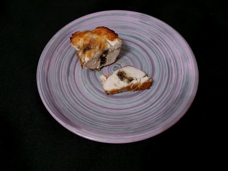 Рецепт Куриная грудка фаршированная грибами